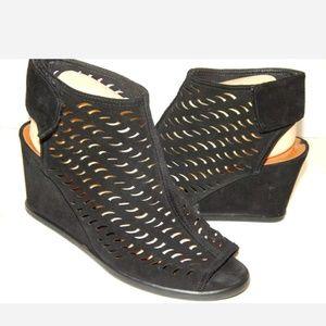 VIA SPIGA Sandals Women Size 9 Black Suede Wedge